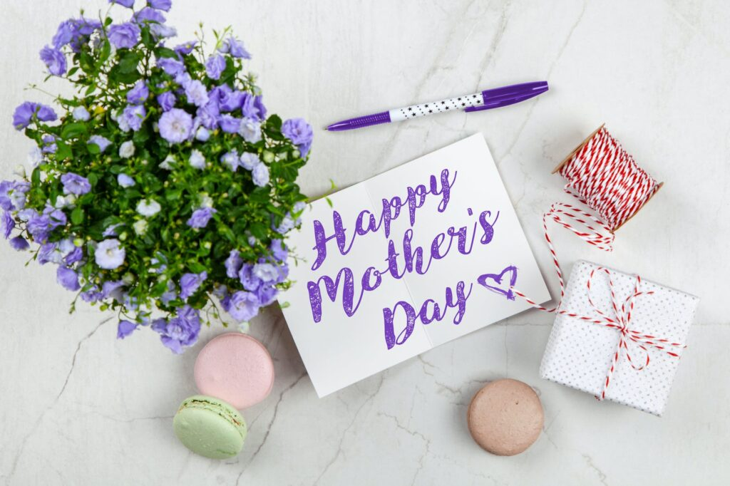 7 Surprised Mum on Mother's Day Fascinating Ways