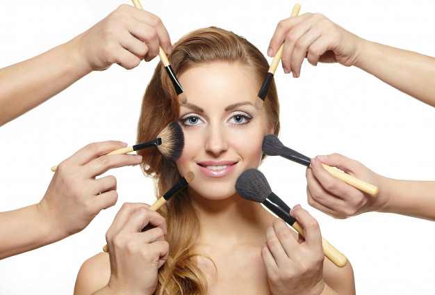 Enrich Your Looks and Feel More Confident With Intensify Beauty Salon Service